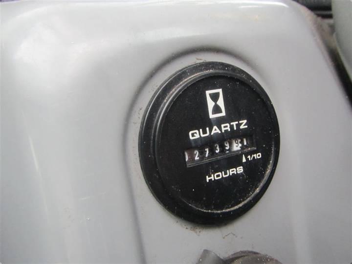 New Holland E26B - 2011 - image 3