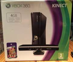 Xbox 360, Kinect, Wireless Controller + 8 Games