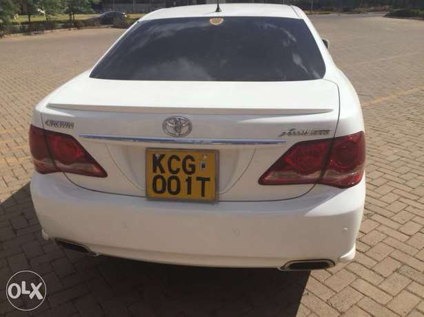 Toyota crown athlete (trade in accepted) Nairobi West - image 2