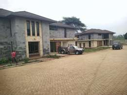 Runda newly built town houses: To let