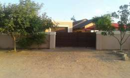 6room house plus a side garage in namakgale