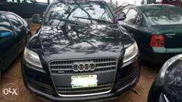 Low miles, Full Option 2008 Audi Q7 V6