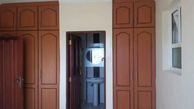 To let spacious 3 bedroom apartment for rental in nyali Mombasa Nyali - image 1