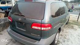 2002 very sharp and sound sienna Lagos cleared with factory chilling A for sale  Warri