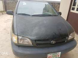 Toyota Siena 1999 first body buy and drive
