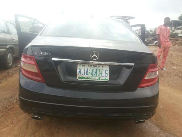 Neat 011 mercedes c350 for sale Ikeja - image 2