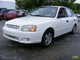 Best price you can get Hyundai accent 2001 model runing in an excellen