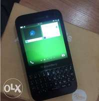 Blackberry Q5 for sale. Perfectly working and in good condition.