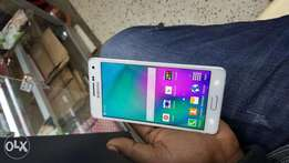 Samsung galaxy A5 2016 Quick on sale 1month old