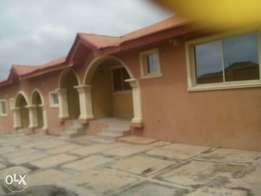 To let 2units of 3bedrooms bungalow at tera estate akobo Ibadan