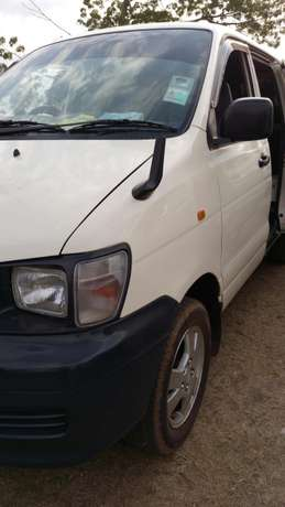 Well maintained toyota townace BuruBuru - image 2