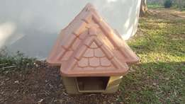 Small Tuscan Dog Kennel