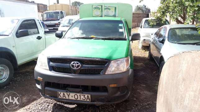 Very clean Toyota Hilux 2007 model Muthaiga - image 2