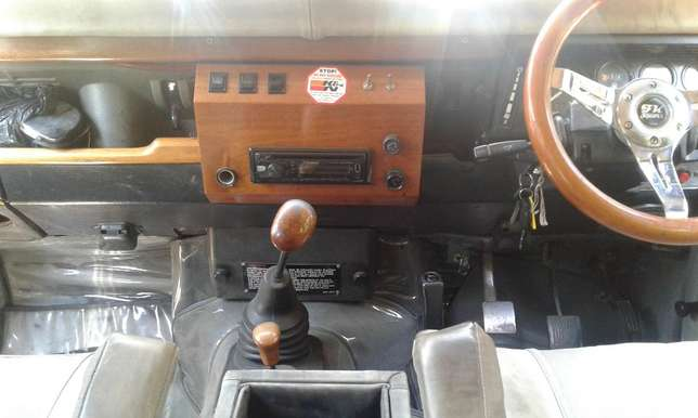Land Rover defender 110 , manual 2.5L turbo diesel, good condition Karen - image 7
