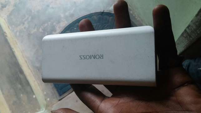 Romoss 10,000mah power bank for sale urgently Ibadan Central - image 1