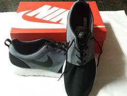 Brand new, boxed Nike Roshe One Mens Trainers - size 12
