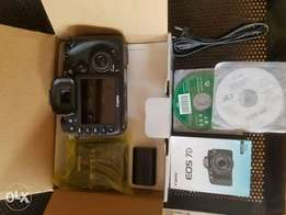 Canon 7D BODY ONLY with complete accessories