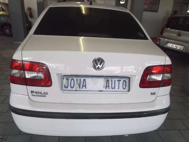 Pre Owned 2009 Polo Classic 1.6 Johannesburg - image 3