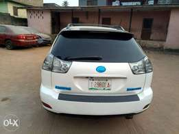2005 RX 330 accident free and very clean Lagos cleared.