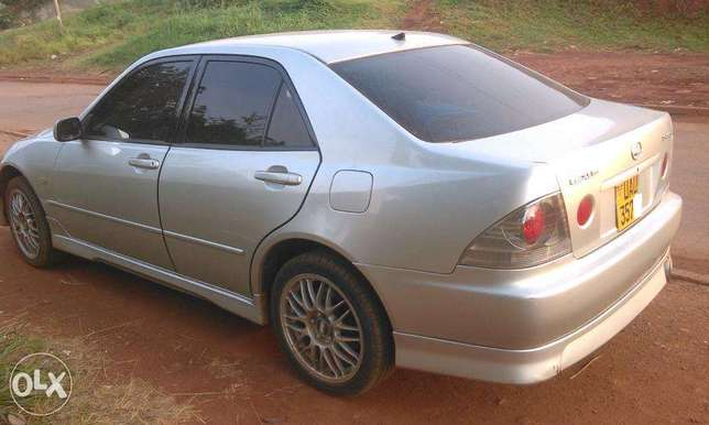Quick Sale - Altezza in very good condition Kampala - image 2