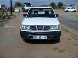 Nissan hardbody 2l, 2 x bakkies available