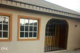 Newly built mini flat at awobo Igbogbo garage with 2 toilet n spacious