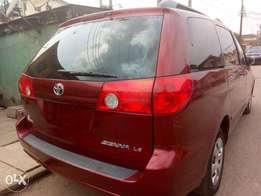 Tokunbo 2007 Toyota Sienna for sale