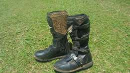 Motor X boots size 10