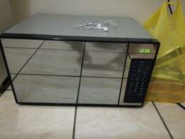 Hi there is Tshepo again selling Samsung microwave