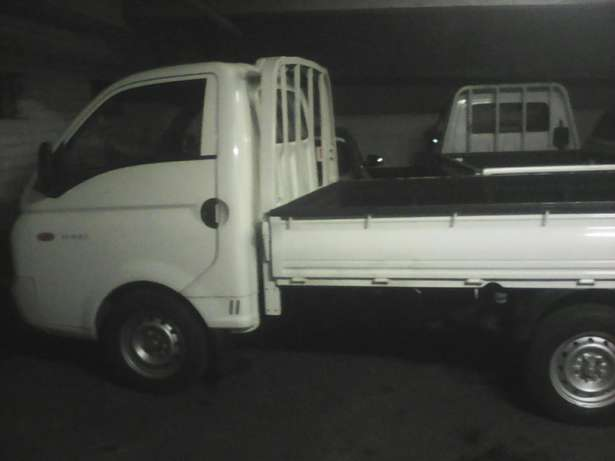 Transport bakkie for hire long distance and short local loop Sandton - image 1