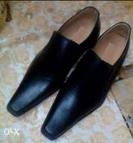Men leather shoes are available.