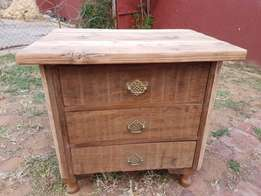 Retro Queen Ann Chest of Drawers J 2525
