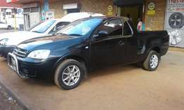 2007 model,opel corsa utility 1.4 bakkie,black,for sale