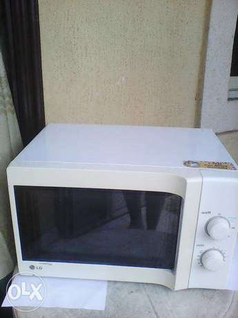 LG Microwave Oven for Sale Obia/Akpor - image 1