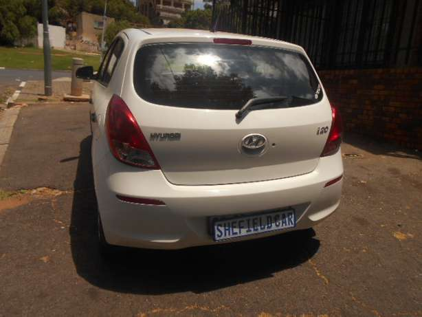 Immaculate condition 2013 Hyundai i20 1.4 Hatchback for sale Johannesburg - image 6