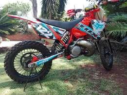 Immaculate 2004 KTM 250 exc for bargain price