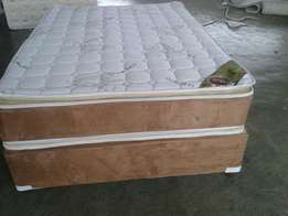 Kalahari pillow top queen 10yr warranty
