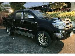 Very clean toyota hilux double cab