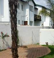 Townhouse To Rent - Weltevredenpark