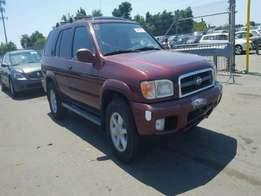 A clean tokunbo nissan pathfinder for sale, 2002 model.
