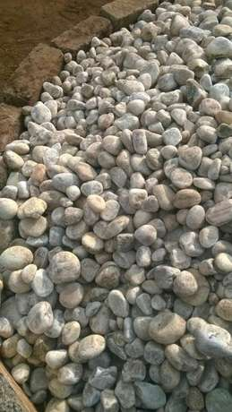 White and black pebbles Gigiri - image 4