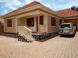 4bedroomes & 3bathrooms (stand alone house) for rent in kiara at 1,5m