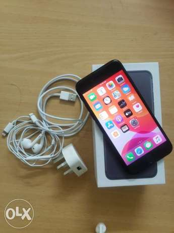 iPhone 7 128gb with box and all accessories original