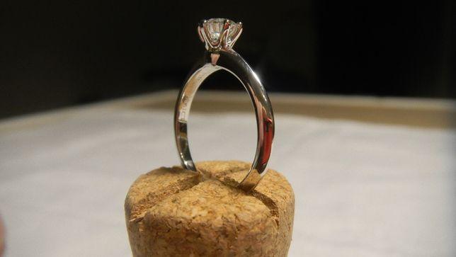 Archiwalne Pierscionek Zareczynowy Tiffany Co Diament Brylant