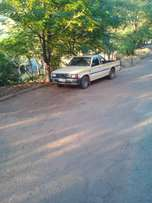 selling mazda B2200 bakkie good condition and all the papers available