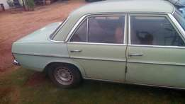 very old mercedes 230 start and go