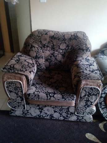 Quick sale 5 sitter sofa set 10 months old. Kiaora - image 2