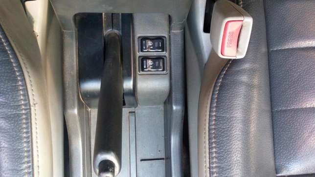 Nissan Xtrail KBL (WITH NEW ENGINE, new suspension) for Quick Sale Nairobi CBD - image 3