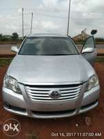 A very sharp 2008 toyota avalon 4 grab.