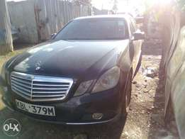 Mercedes Benz E200 year 2009 local